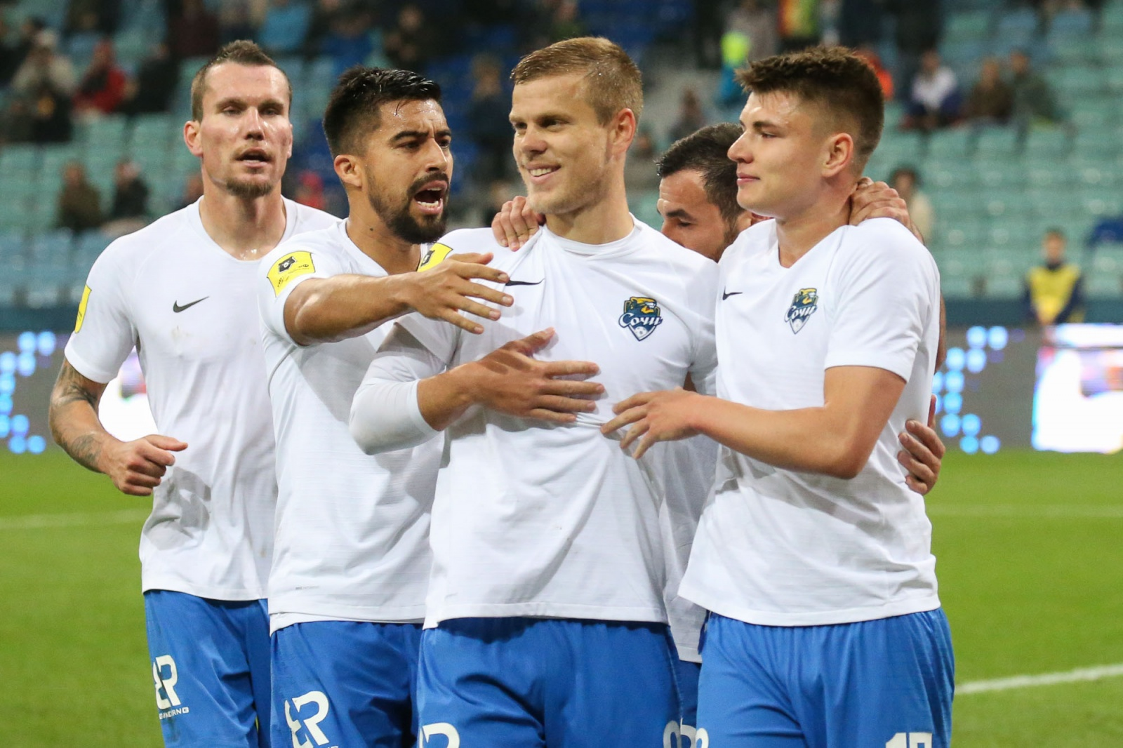 Первая разгромная победа сезона и дубль Кокорина